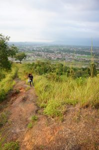 jalur pendakian bukit nobita
