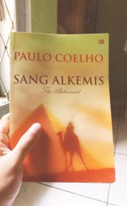 Review buku The Alchemist (Sang Alkemis)