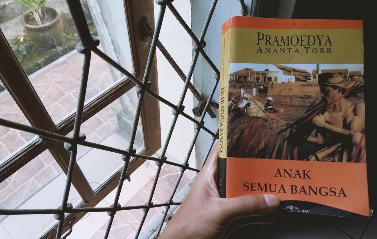 Review Buku ANAK SEMUA BANGSA Karya Pramoedya Ananta Toer