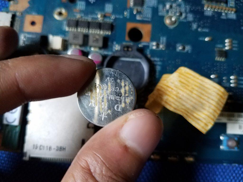 Efek Baterai CMOS Laptop Habis Atau Rusak dan Cara Mengatasinya