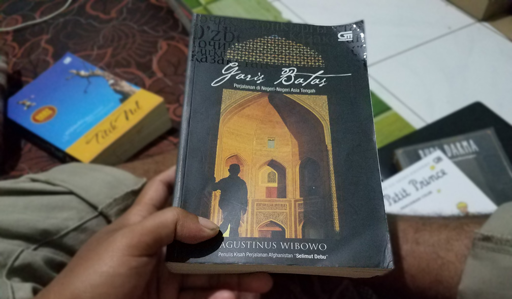 Review Buku Garis Batas